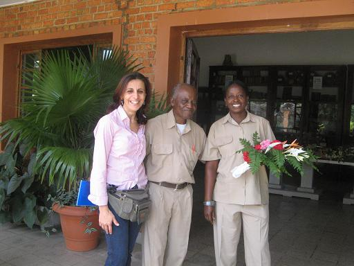 Leopold Nsimundele (centre), the Director of Kisantu Botanic garden with Francesca Lanata (left) from the National Botanic Garden of Belgium, and Francoise Situ (right).